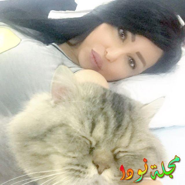 صورة ميسون الرويلي مع قطتها