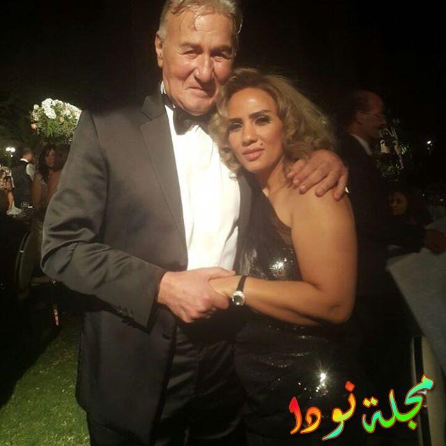 عزت أبو عوف وزوجته