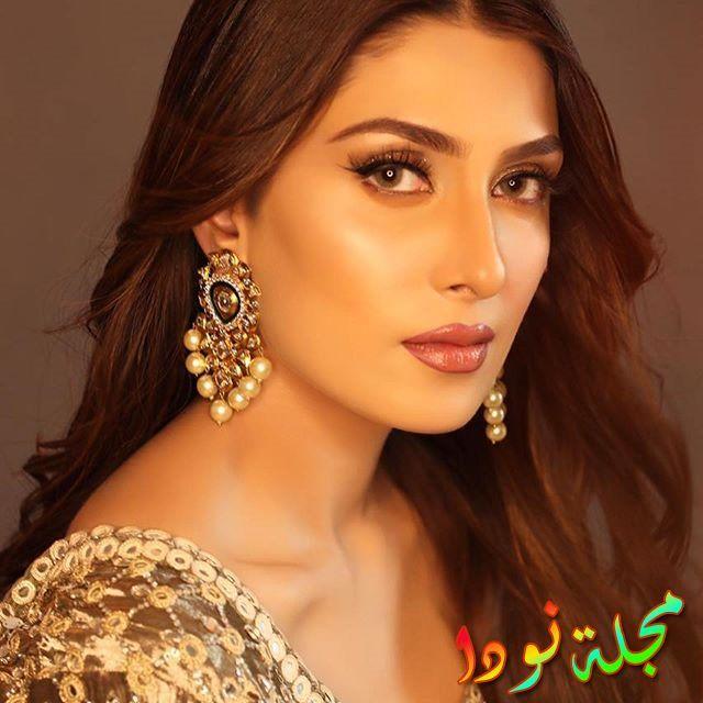 عايزة خان