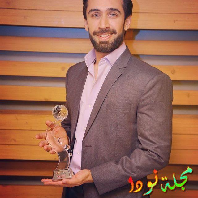 علي رحمن خان يستلم جائزة