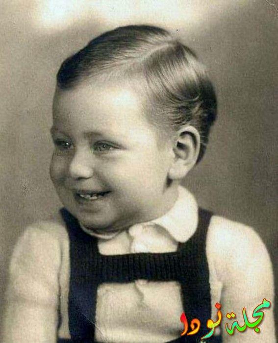 حسين فهمي وهو طفل صغير