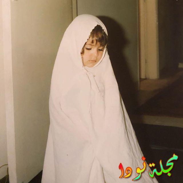 شيري عادل وهي طفلة محجبة