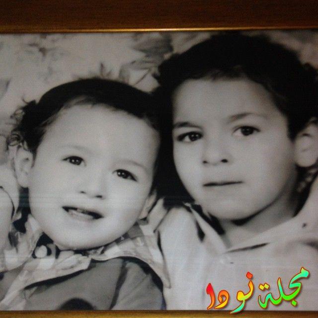صورة حمادة هلال وهو صغير مع اخوه