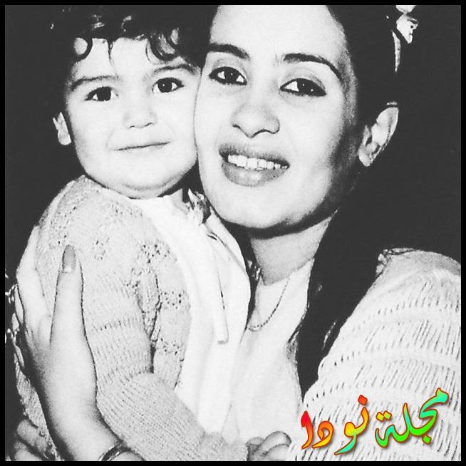 صورة شريهان وهي صغيرة مع شقيقتها الكبيرة