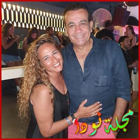 صورة قريبة لأسامة منير وزوجته