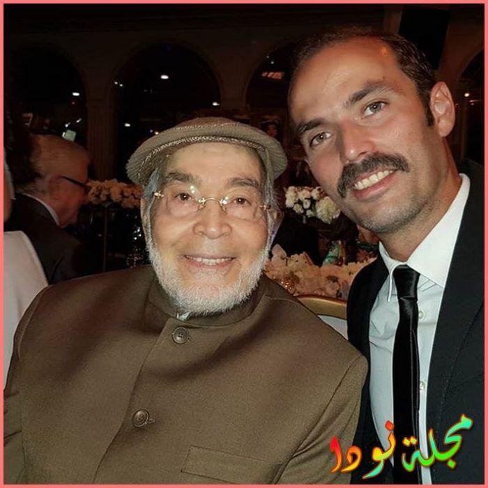 صورة مع والده حسن يوسف