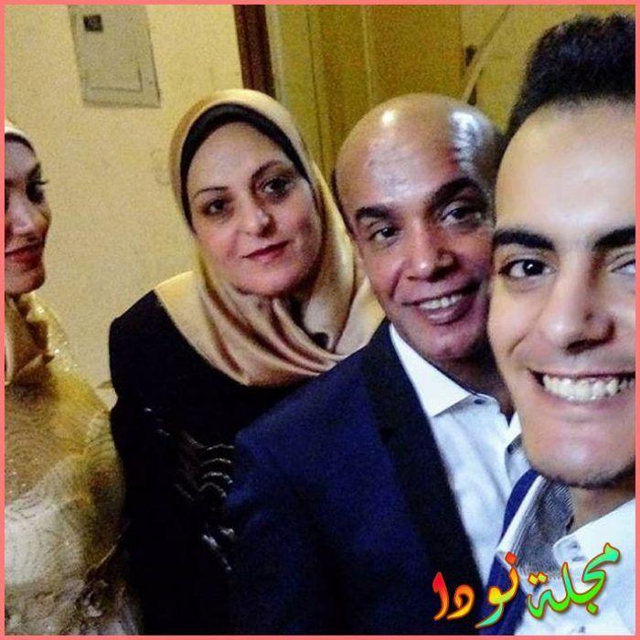 صورة عائلية لسليمان عيد وزوجته