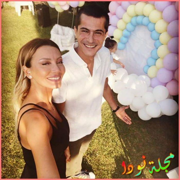اسماعيل حاجي اوغلو وزوجته