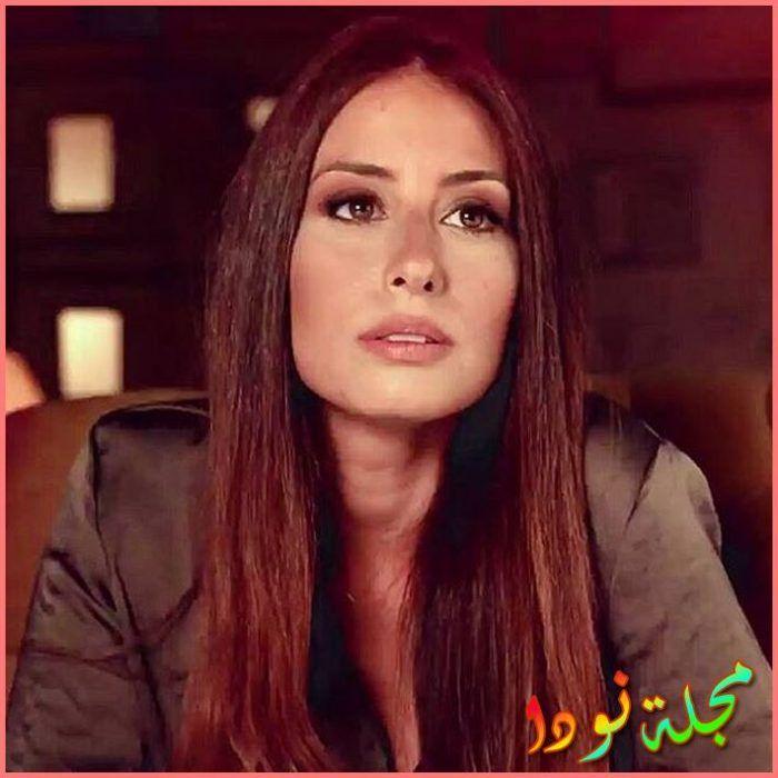 مغنية وممثلة ومخرجة لبنانية