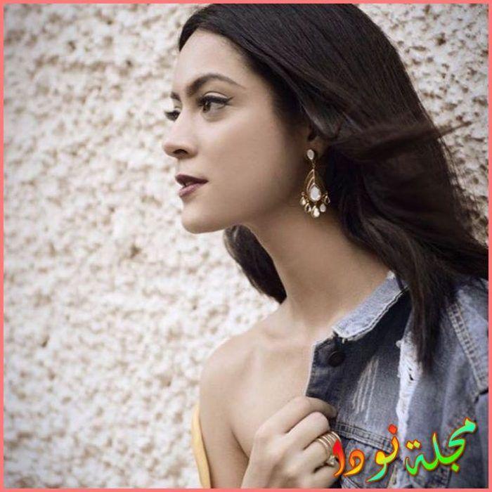 الجميلة Anya Singh