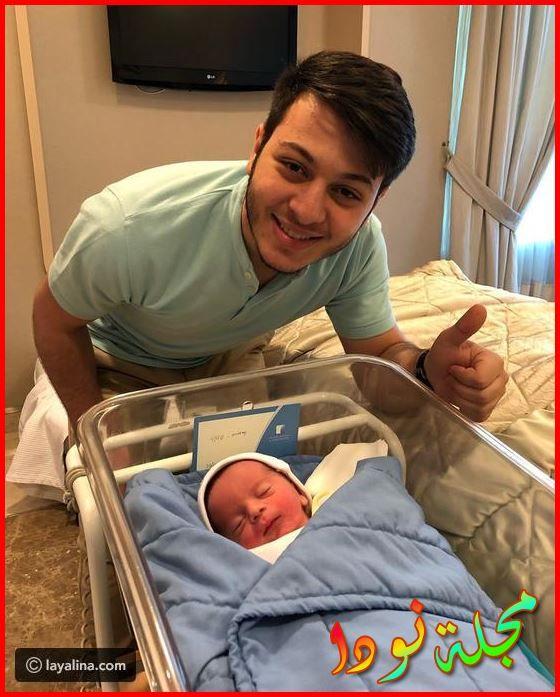 عصومي مع المولود الجديد