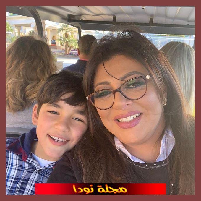 Hala Sedki وابنها
