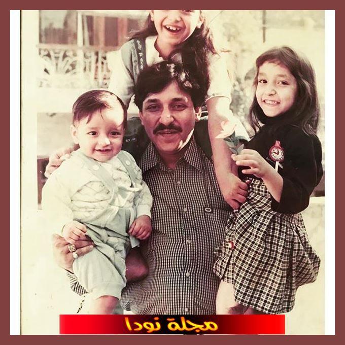 Harshita Gaur مع والدها وأشقائها