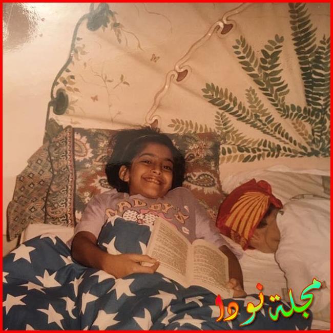 Sonam Kapoor Ahuja وهي صغيرة