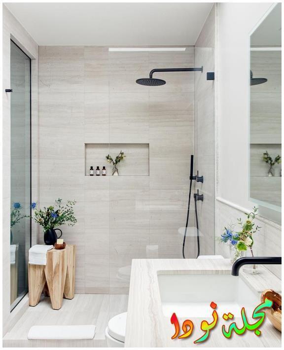أرضية حمام رمادية أعيد تشكيلها في نيويورك
