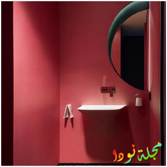 خزانات ذات ألواح مستوية وخزائن خشبية متوسطة اللون